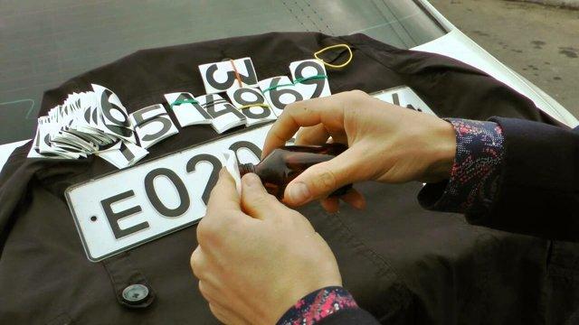 Пленка на номер автомобиля от камер: где купить