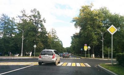 Главная дорога в 2021 году - что это такое, знаки, зона действия, выезд со второстепенной
