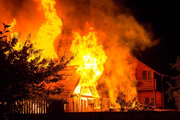 Как получить страховку при пожаре склада, офиса, машины.