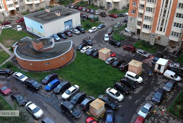 Как законно установить или убрать дорожный знак во дворе или на улице? Рассказывает Владимир Афонский